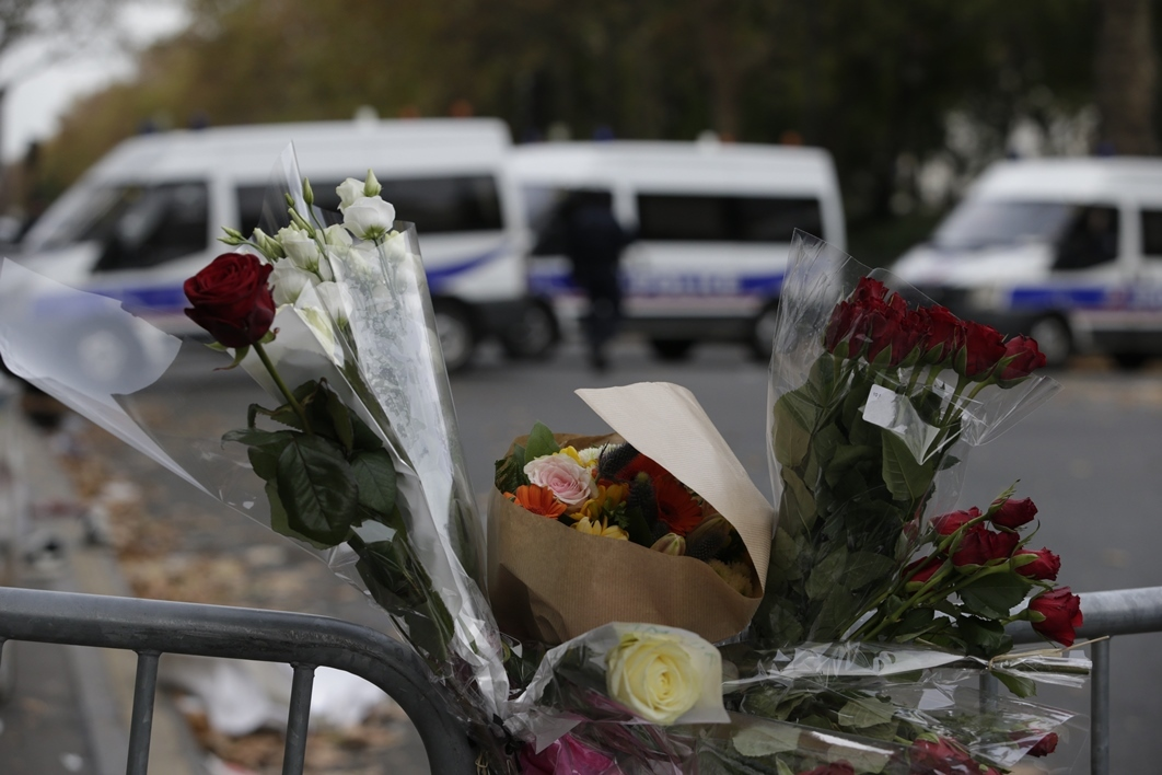"Attentats de Paris - Hamadouche: ""On ne doit pas céder à la panique"""