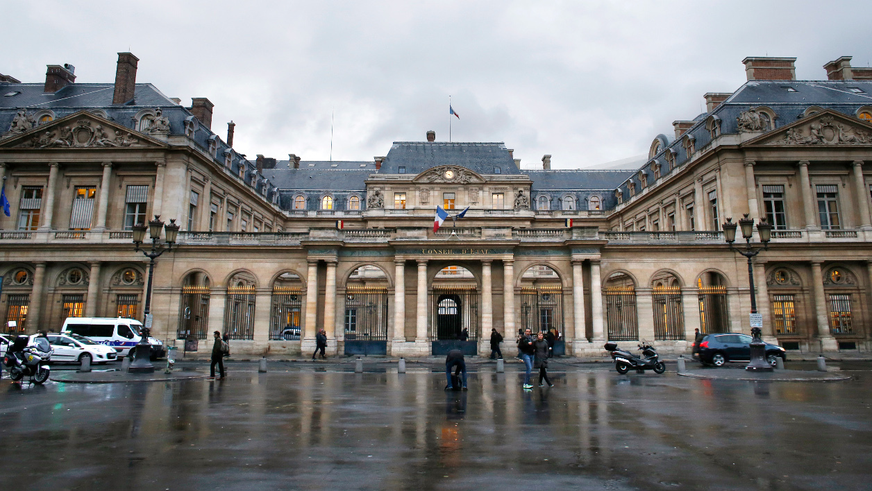 Conseil d'Etat - A picture shows the facade of the French Council of State in Paris on January 9, 2014. The French Council of State is to rule on January 9 on an appeal by French Interior Minister Manuel Valls contesting the decision of a French judge in Nantes, who earlier on January 9 ordered authorities to lift a ban on controversial humorist Dieudonne M'bala M'bala performing in the western French city. AFP PHOTO / THOMAS SAMSON THOMAS SAMSON / AFP