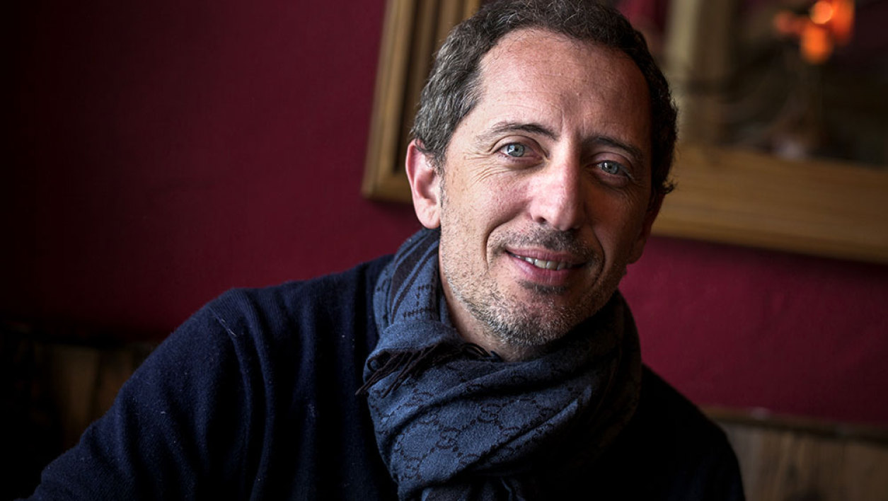 French humorist, actor and president of the festival's jury Gad Elmaleh poses on January 16, 2015 during the 18th Comedy film festival in L'Alpe d'Huez.