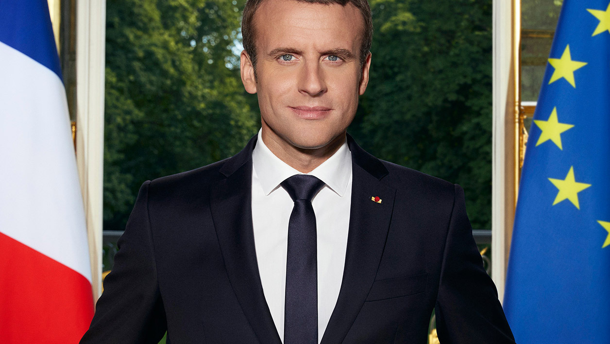 Portrait officiel d'Emmanuel Macron.