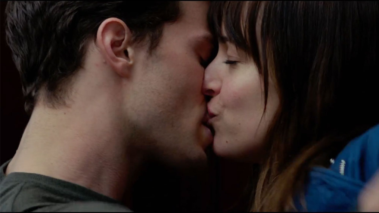 "Jamie Dorman et Dakota Johnson dans ""Fifty Shades of Grey""."