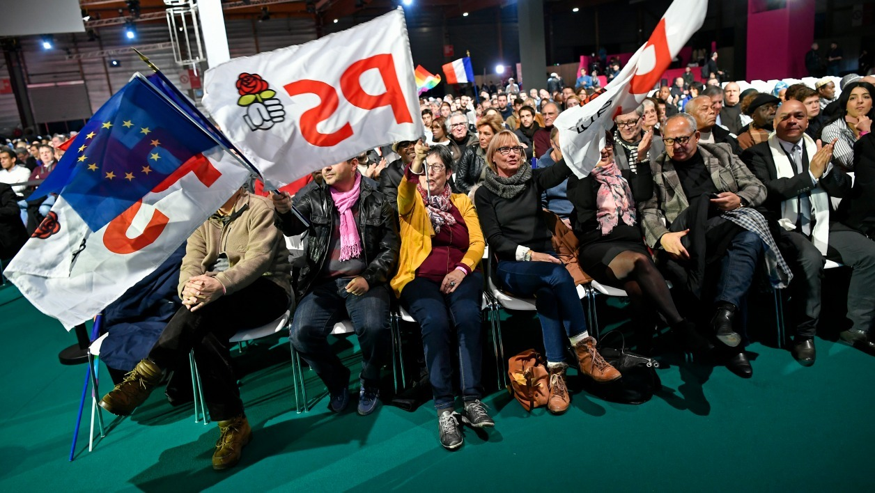 "People attend on December 3, 2016 in Paris the convention of the ""Belle Alliance Populaire"" (Nice Popular Union), a gathering aiming at uniting democrats, socialists, ecologists, intellectuals, associative activists and trade unionists ahead of the 2017 French presidential election.  Lionel BONAVENTURE / AFP"