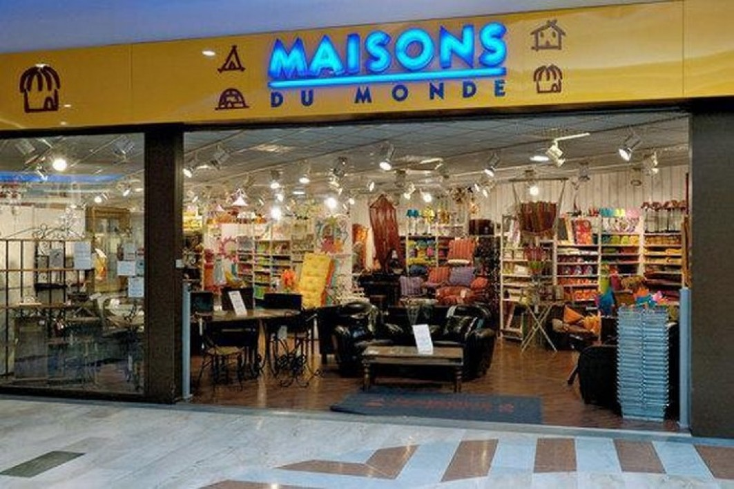 maison du monde outlet best maisons du monde arese mi with maison du monde outlet photo of. Black Bedroom Furniture Sets. Home Design Ideas