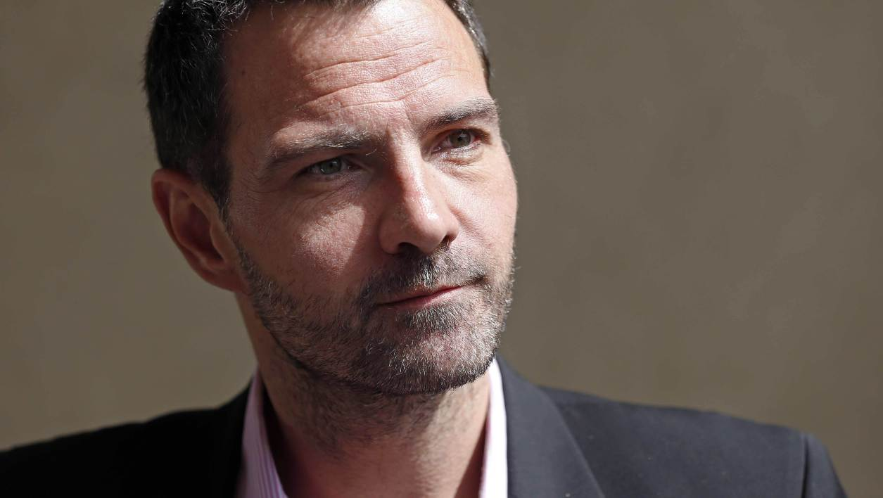 jerome kerviel and societe generale essay Paris, april 27 (reuters) - former societe generale trader jerome kerviel, who is appealing a three-year prison sentence for his role in france's biggest rogue trading scandal, plans to sue his.