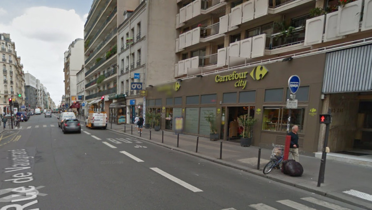 Carrefour City, rue de Vaugirard.
