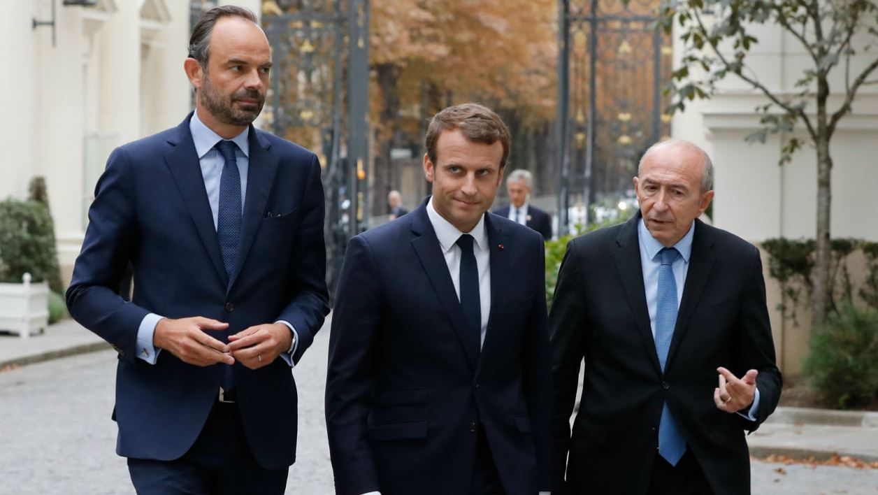 French Prime Minister Edouard Philippe, French President Emmanuel Macron and French Interior Minister Gerard Collomb, arrive at the Hotel de Beauvau at the Interior Ministry in Paris, on September 6, 2017, for a meeting regarding the Hurricane Irma which slammed into Caribbean islands.  FRANCOIS GUILLOT / AFP