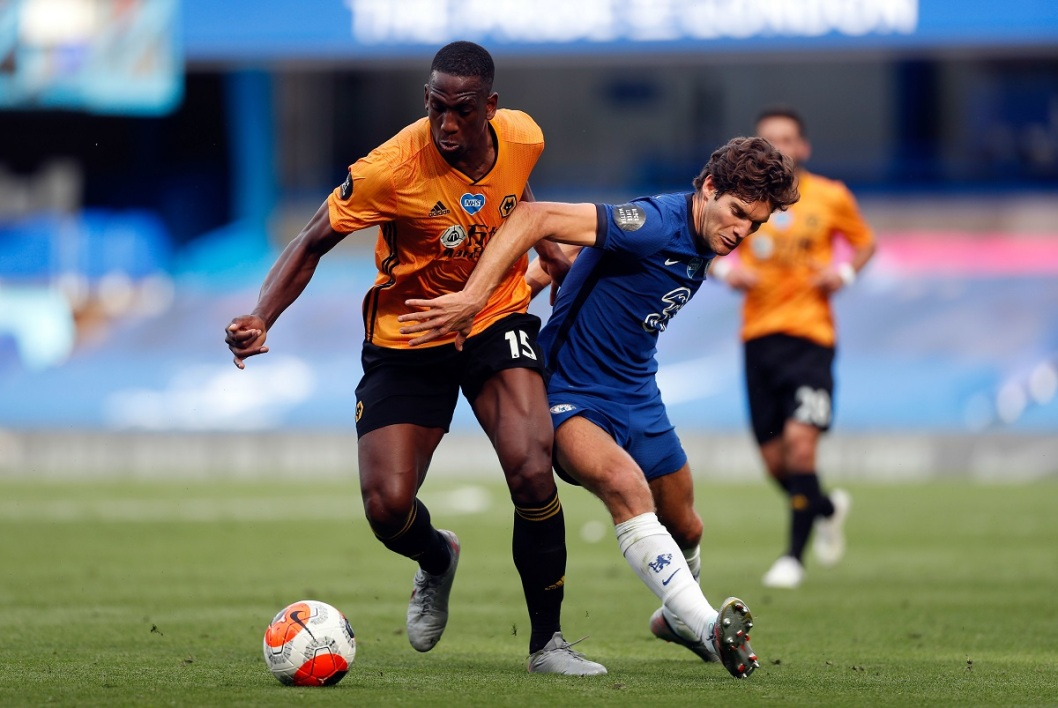 Willy Boly bataille avec Marcos Alonso