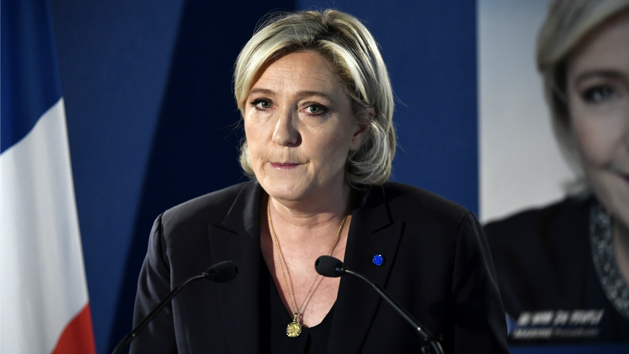 French presidential election candidate for the far-right Front National (FN) party Marine Le Pen speaks during a press conference on April 21, 2017 at her campaign headquarters in Paris.  Lionel BONAVENTURE / AFP