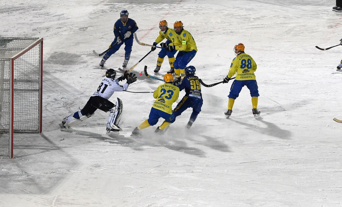 Un match de Russian Bandy Super League en janvier