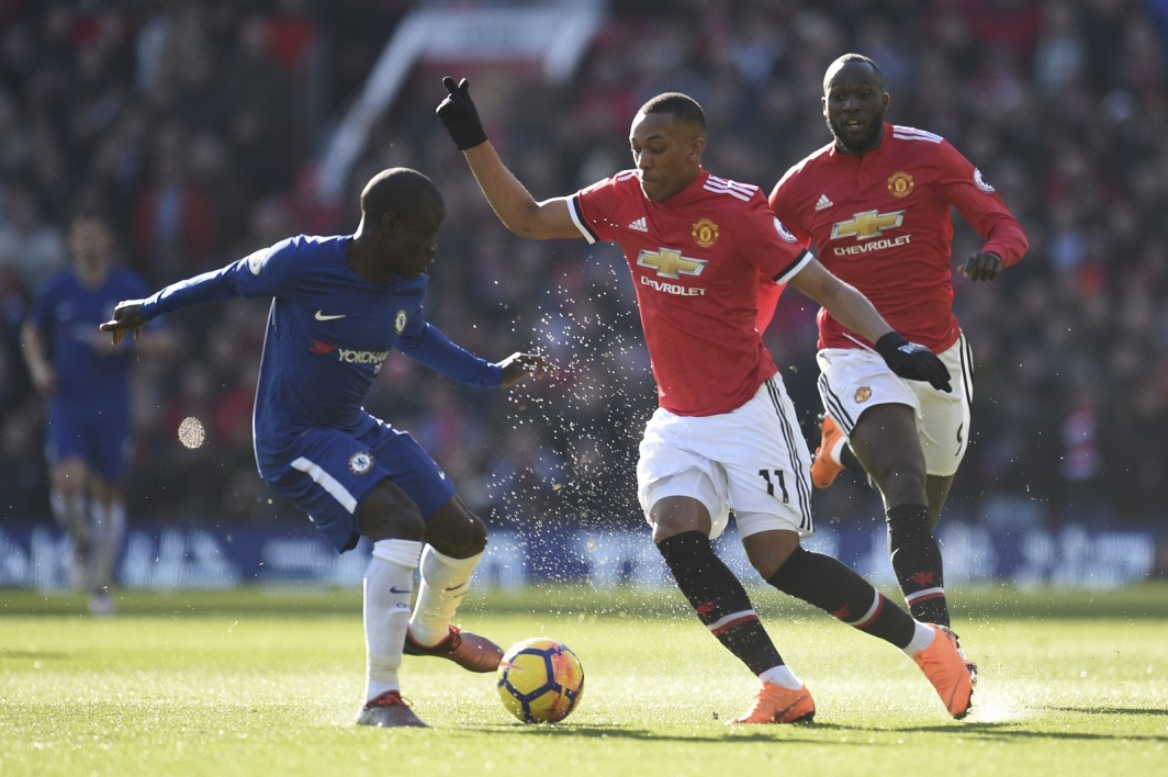 Anthony Martial face à N'Golo Kanté