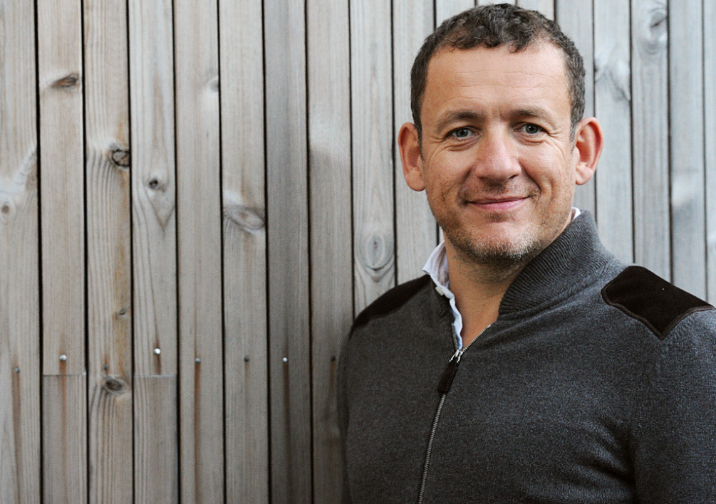 "FRANCE, Rennes : French humorist, actor and director Dany Boon poses during a photocall prior to the premiere screening of the film ""Un plan parfait"", on October 11, 2012 in Rennes, western France. AFP PHOTO/ ALAIN JOCARD"