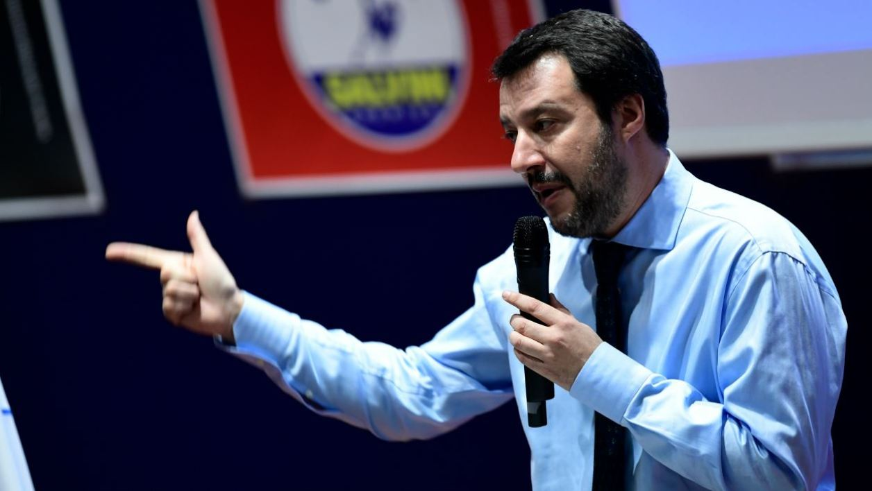 Lega Nord far right party leader Matteo Salvini addresses supportes during the closing campaign rally in Milan on March 2, 2018 ahead of Sunday's general election poles. Italy's rival political parties wrap up a bitter campaign on Friday ahead of an election on Sunday in which former prime minister Silvio Berlusconi could once again play a leading role. MIGUEL MEDINA / AFP