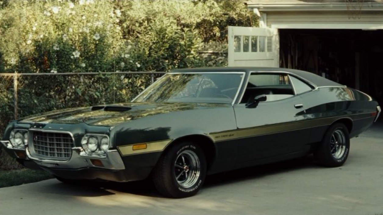 la ford gran torino de clint eastwood. Black Bedroom Furniture Sets. Home Design Ideas