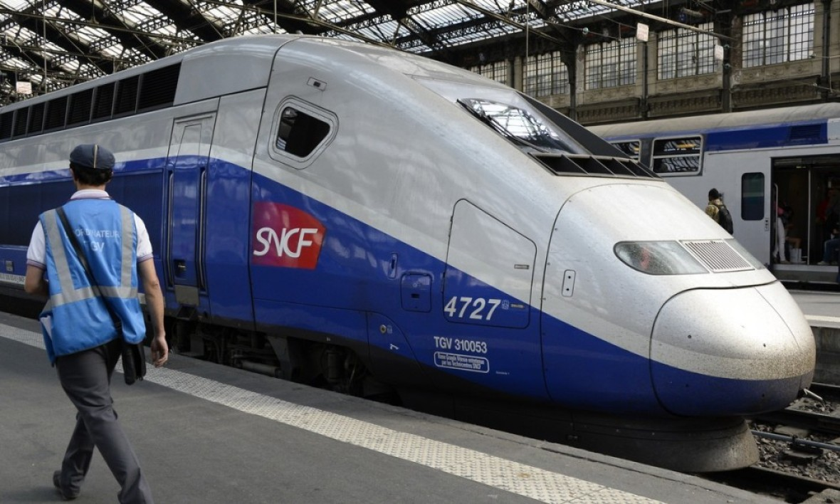 Un TGV en gare - Illustration - Bertrand Guay / AFP