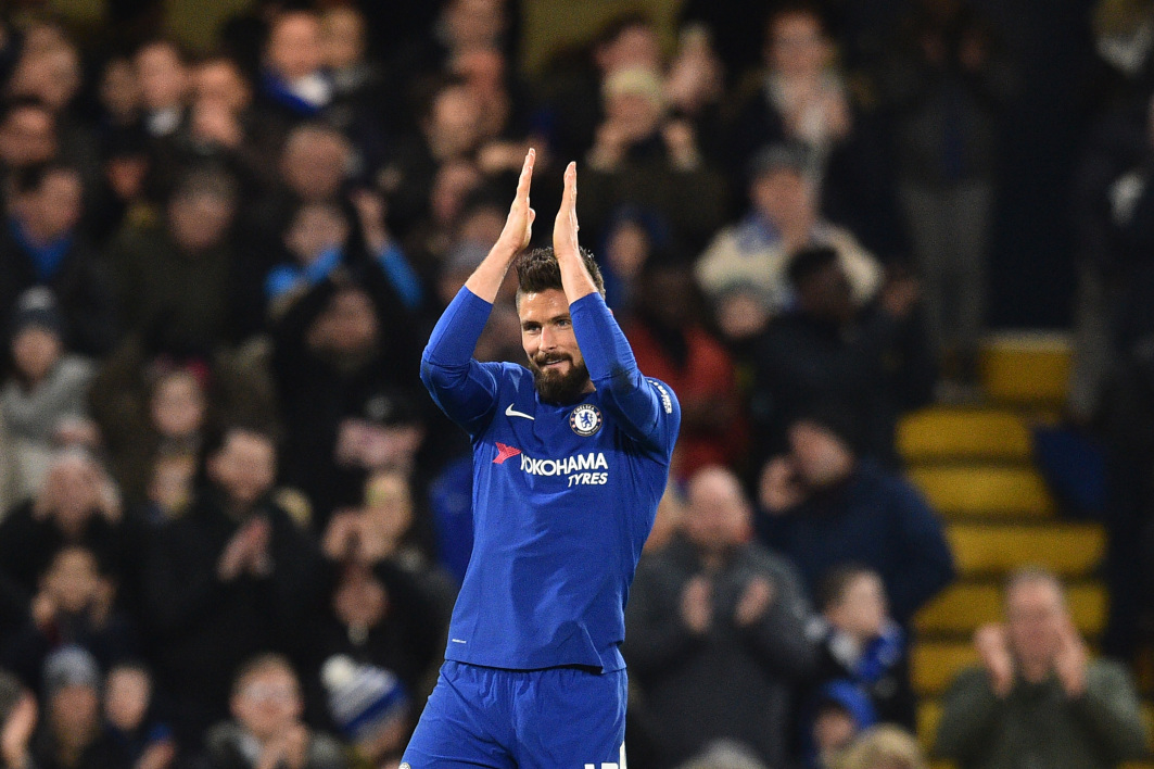 Giroud Chelsea applause AFP.jpg