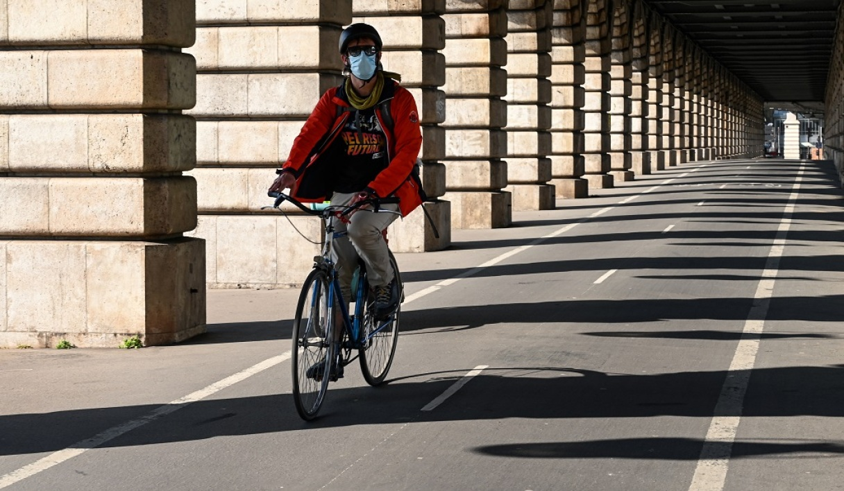 Un cycliste à Paris