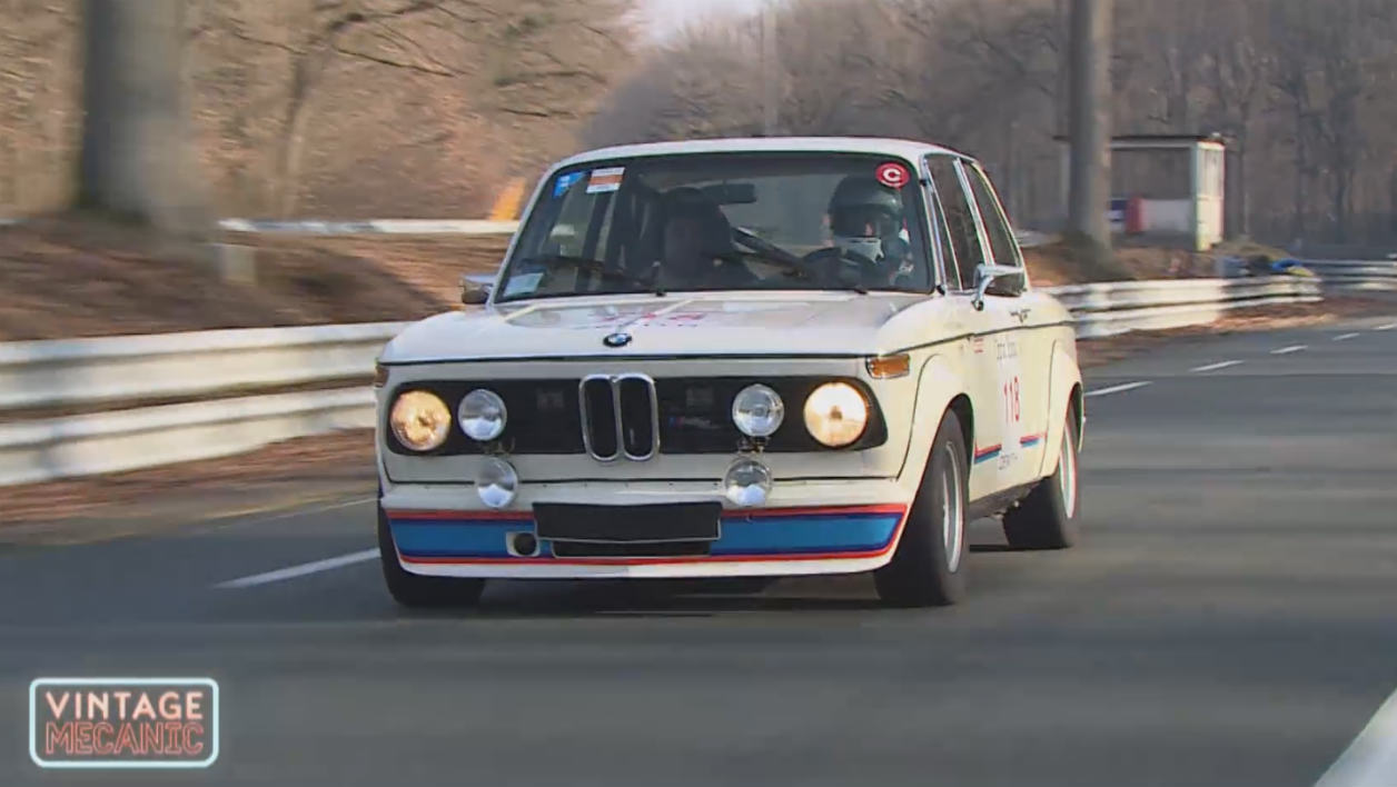 video le tone au volant d une bmw 2002 turbo. Black Bedroom Furniture Sets. Home Design Ideas