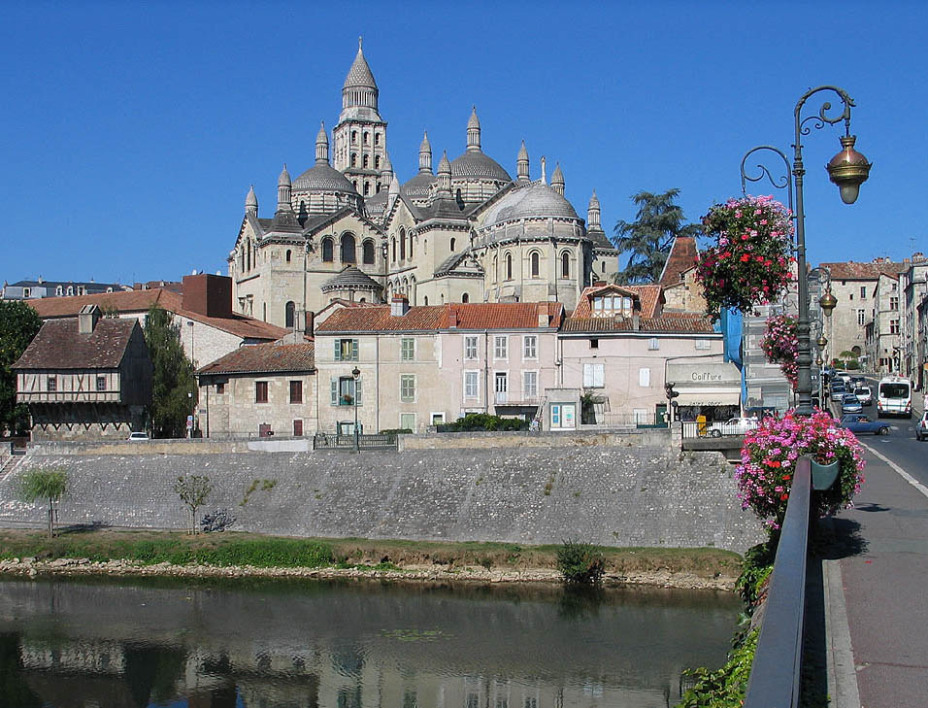 Perigueux_Cathedrale_Saint_Front.jpg