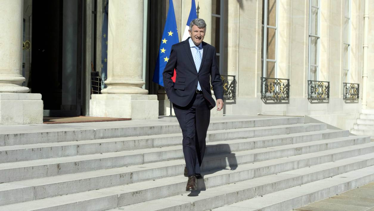 Philippe De Villiers, leaves the Elysee Palace after a meeting with French president, on May 15, 2014 in Paris. AFP PHOTO/ ALAIN JOCARD
