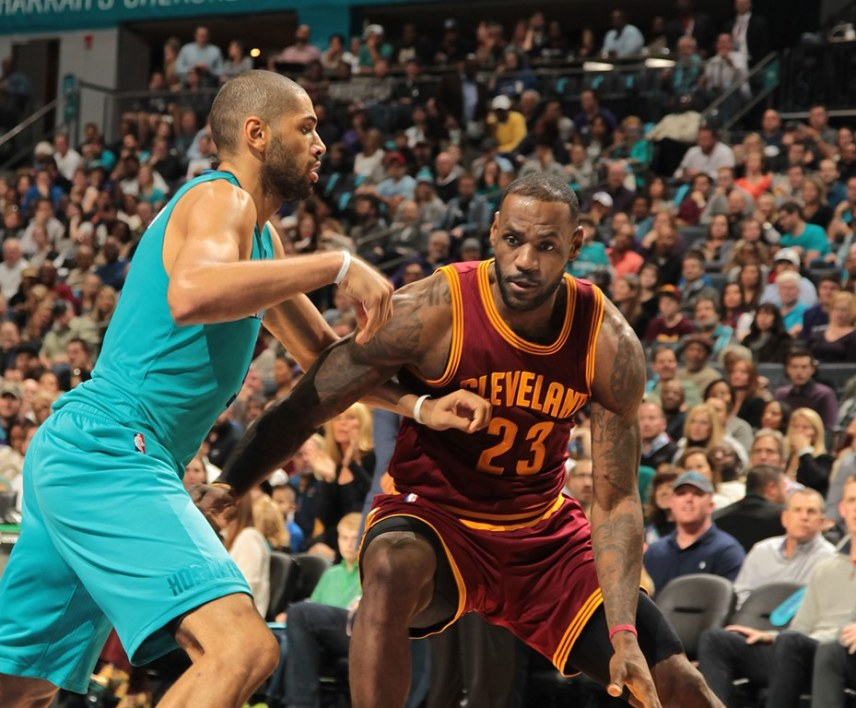 Nicolas Batum face à LeBron James