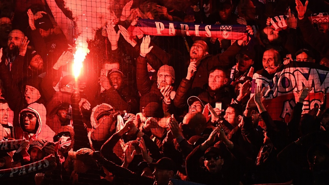 Supporters Manchester-PSG recadre AFP.jpg