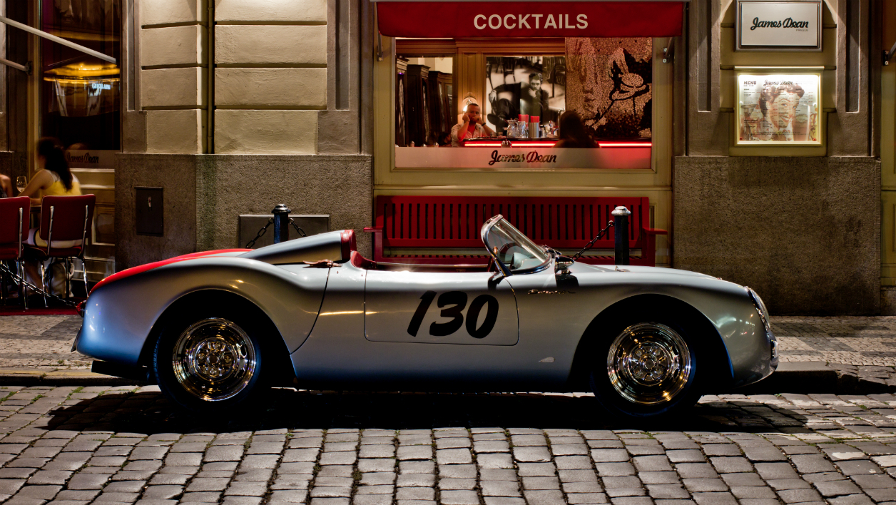 Une réplique de la 550 Spyder de James Dean à Prague