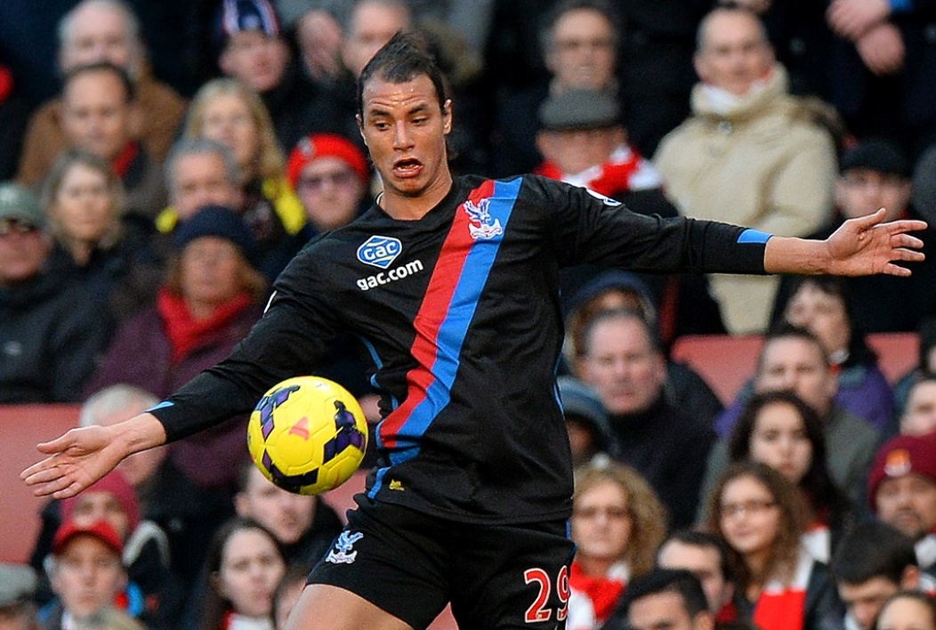 Marouane Chamakh (Cardiff City) avec son ancien club de Crystal Palace.