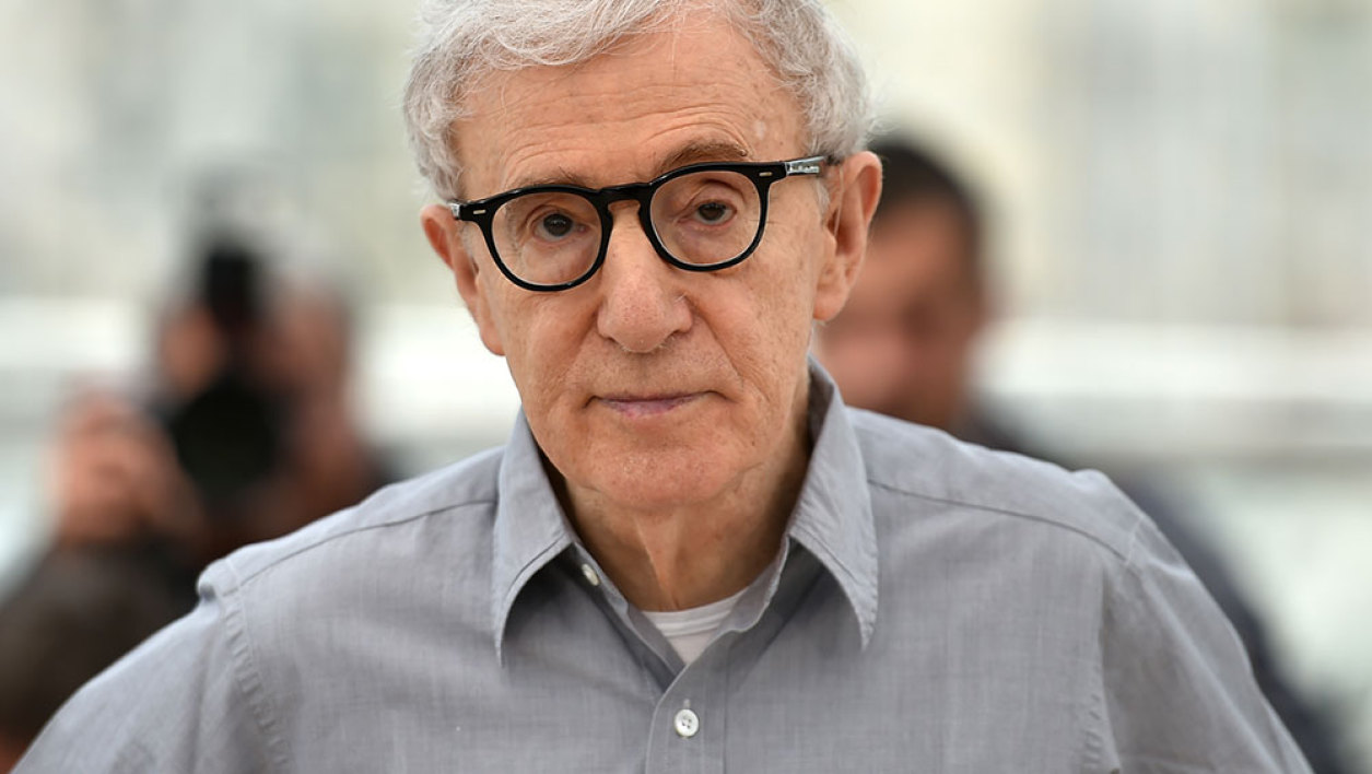 """US director Woody Allen poses on May 11, 2016 during a photocall for the film """"Cafe Society"""" ahead of the opening of the 69th Cannes Film Festival, southern France."""