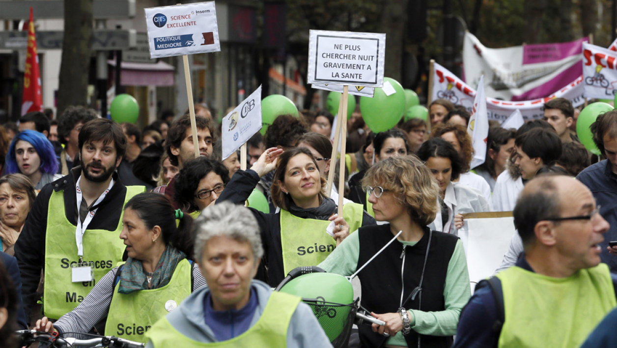 Manifestation des membres du collectif Sciences en marche, le 17 octobre 2014.