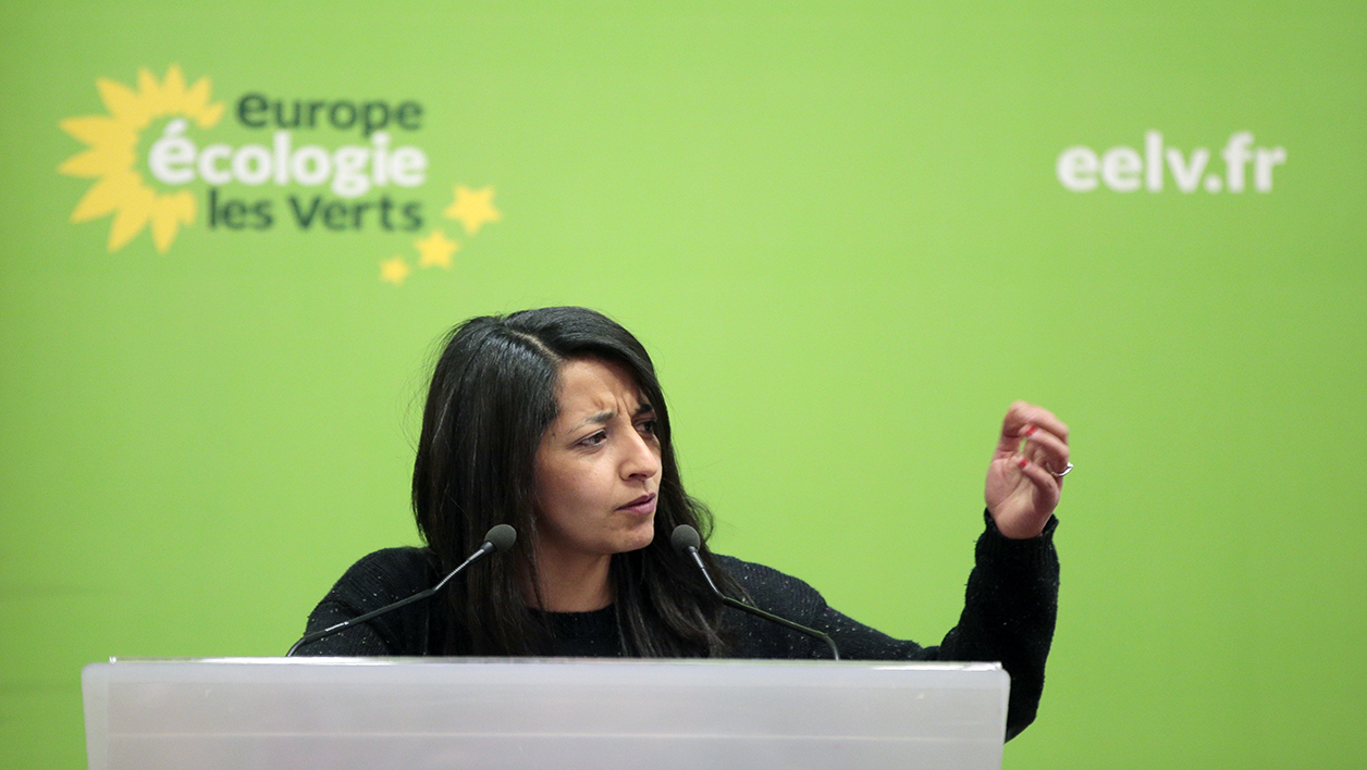 Europe Ecologie Les Verts (EELV) European MP Karima Delli delivers a speech during the Federal Council of EELV green political party in Paris on April 9, 2016.  JACQUES DEMARTHON / AFP