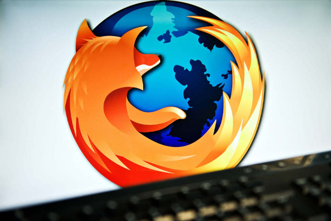 UNITED KINGDOM, London : A screen displays the logo of the open-source web browser Firefox on July 31, 2009, in London, as the software edges towards it's billionth download within the next twenty four hours. First released in 2004, the browser currently holds around 31 % of the market share with Microsoft's Internet Explorer dominating the field with 60 %. AFP PHOTO/Leon Neal