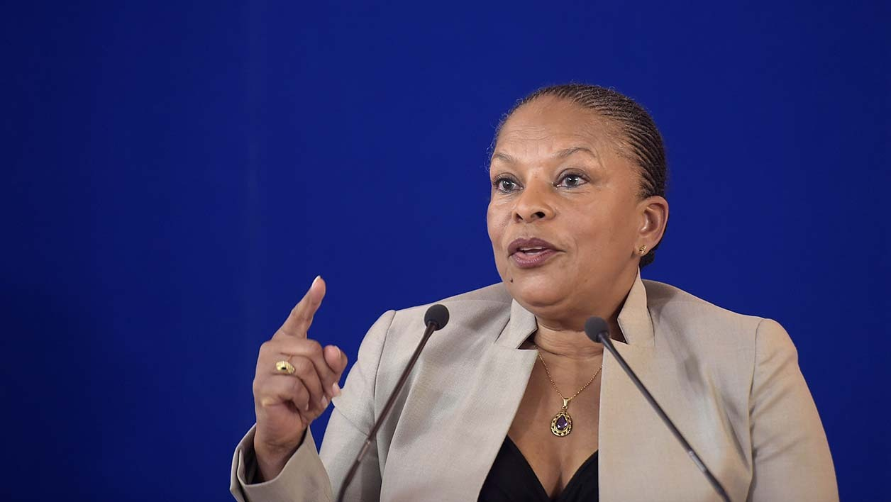 French Justice Minister Christiane Taubira delivers a speech on April 27, 2015 in Paris, during an international meeting with anti-terrorist magistrates. AFP PHOTO / LIONEL BONAVENTURE