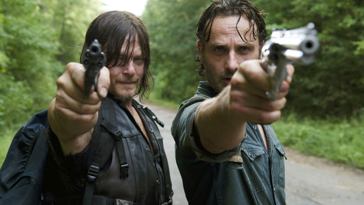 "Norman Reedus et Andrew Lincoln dans la série ""The Walking Dead"""