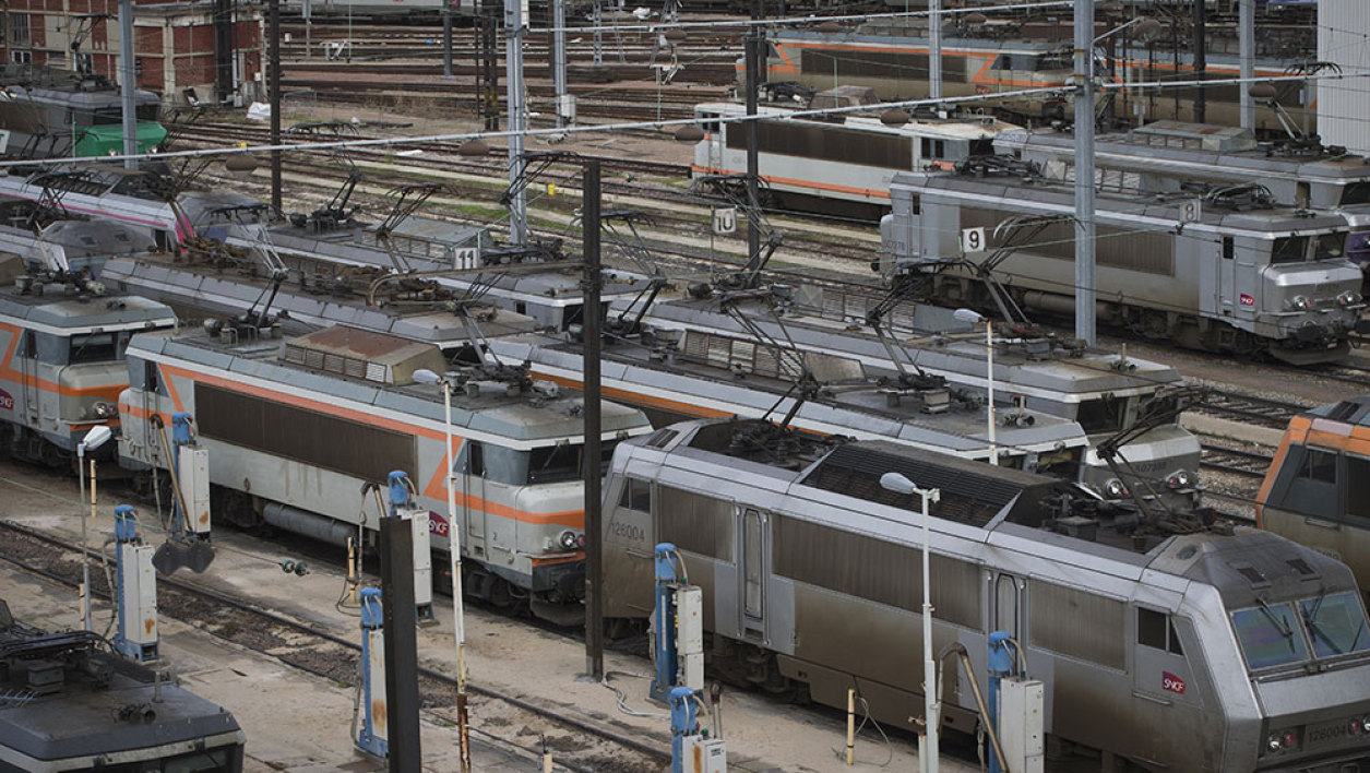 A picture taken on January 13, 2016 shows a general view of the SNCF (France's national state-owned railway company) railway yard in Ivry-sur-Seine.