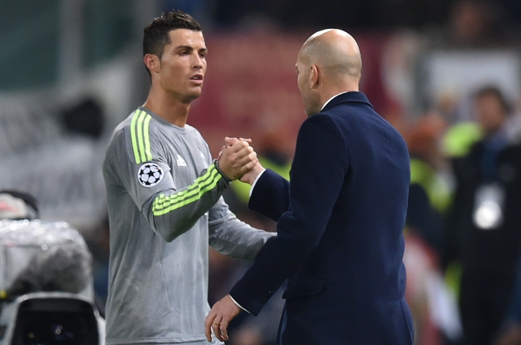 Real Madrid : Ronaldo encense Zidane