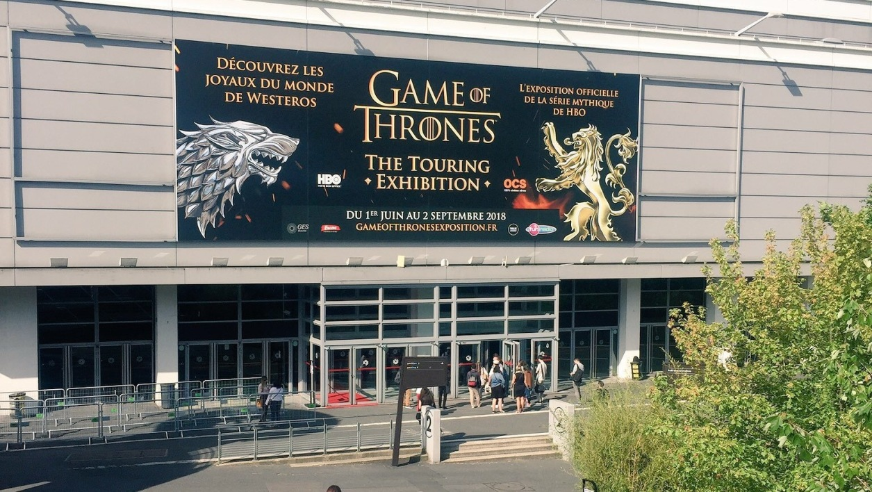 L'entrée de l'Exposition Game Of Thrones à Porte de Versailles, à Paris