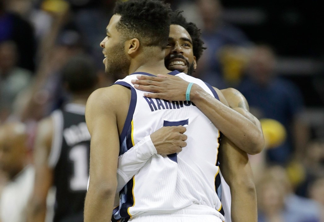 Andrew Harrison et Mike Conley