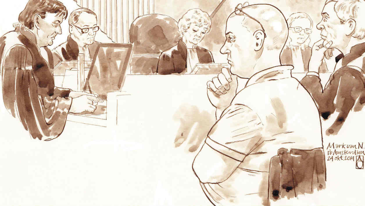 "A court sketch made on October 24, 2014 shows Mark van Nierop (3rd R), a Dutch dentist suspected of mutilating patients, in a court in Amsterdam. A rogue Dutch dentist suspected of mutilating dozens of French patients can be extradited to France to stand trial, an Amsterdam court ruled on November 7, 2014. Dubbed the ""horror dentist"" by the Dutch press, Mark van Nierop was detained in Canada last month and flown back to his native Netherlands where he was arrested under a Paris-issued international warrant. AFP PHOTO / ANP / ALOYS OOSTERWIJK --NETHERLANDS OUT-- Aloys Oosterwijk / ANP / AFP"
