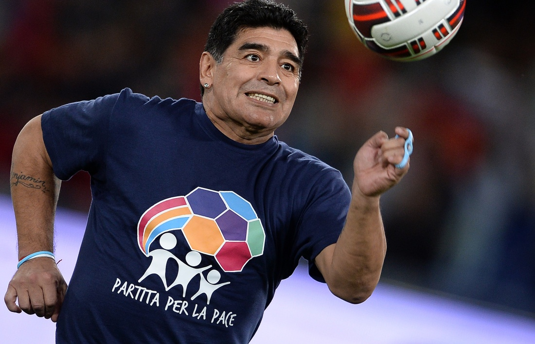 EN VIDEO : Maradona montre ses talents de danseur