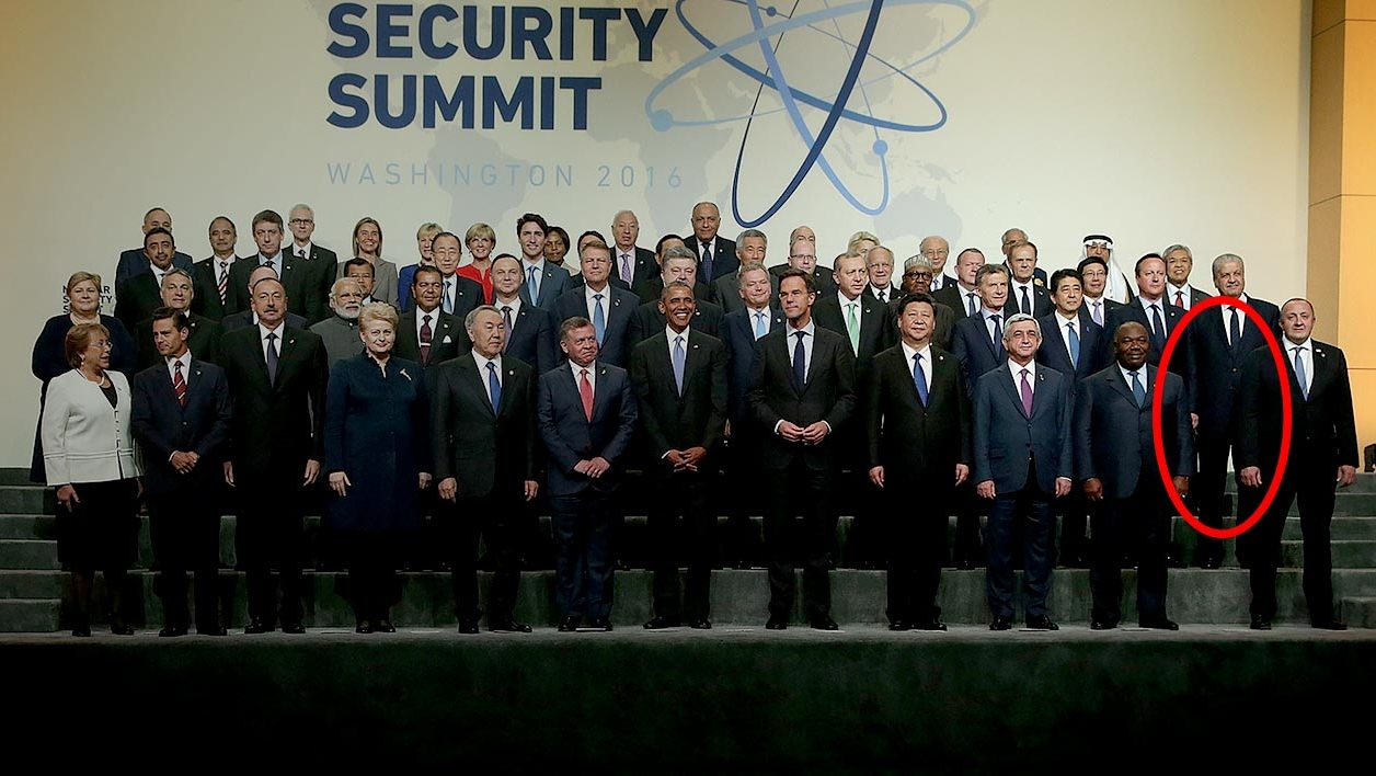 WASHINGTON, DC - APRIL 01: Heads of delegation participate in the family photo during the 2016 Nuclear Security Summit April 1, 2016 in Washington, DC. U.S. President Barack Obama is hosting the fourth and final in a series of summits to highlight accomplishments and make new commitments towards reducing the threat of nuclear terrorism. Alex Wong/Getty Images/AFP ALEX WONG / GETTY IMAGES NORTH AMERICA / AFP
