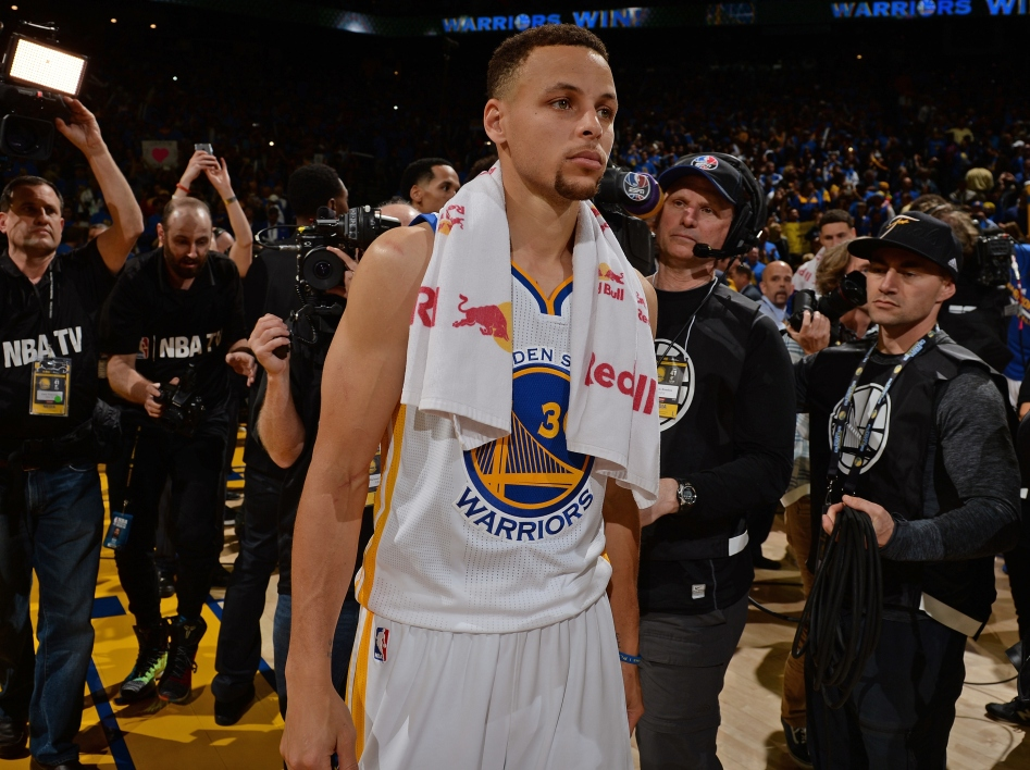 NBA  - Golden State : Stephen Curry absent deux semaines