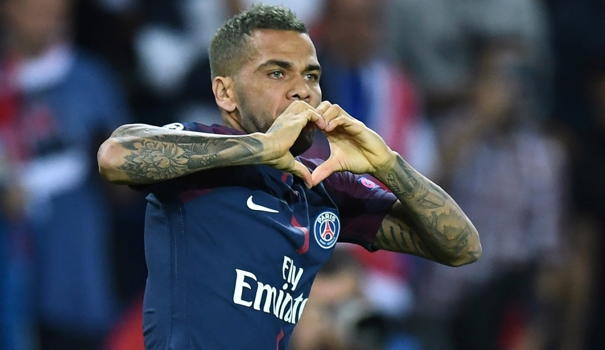 Dani Alves rêve de Premier League