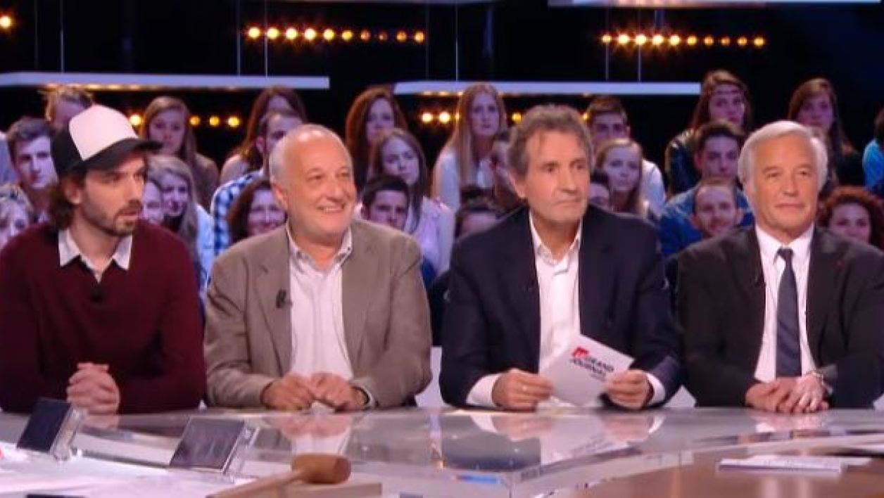 Jean-Jacques Bourdin recevant la question du Grand Journal de Canal + pour Manuel Valls, le 8 avril  2014