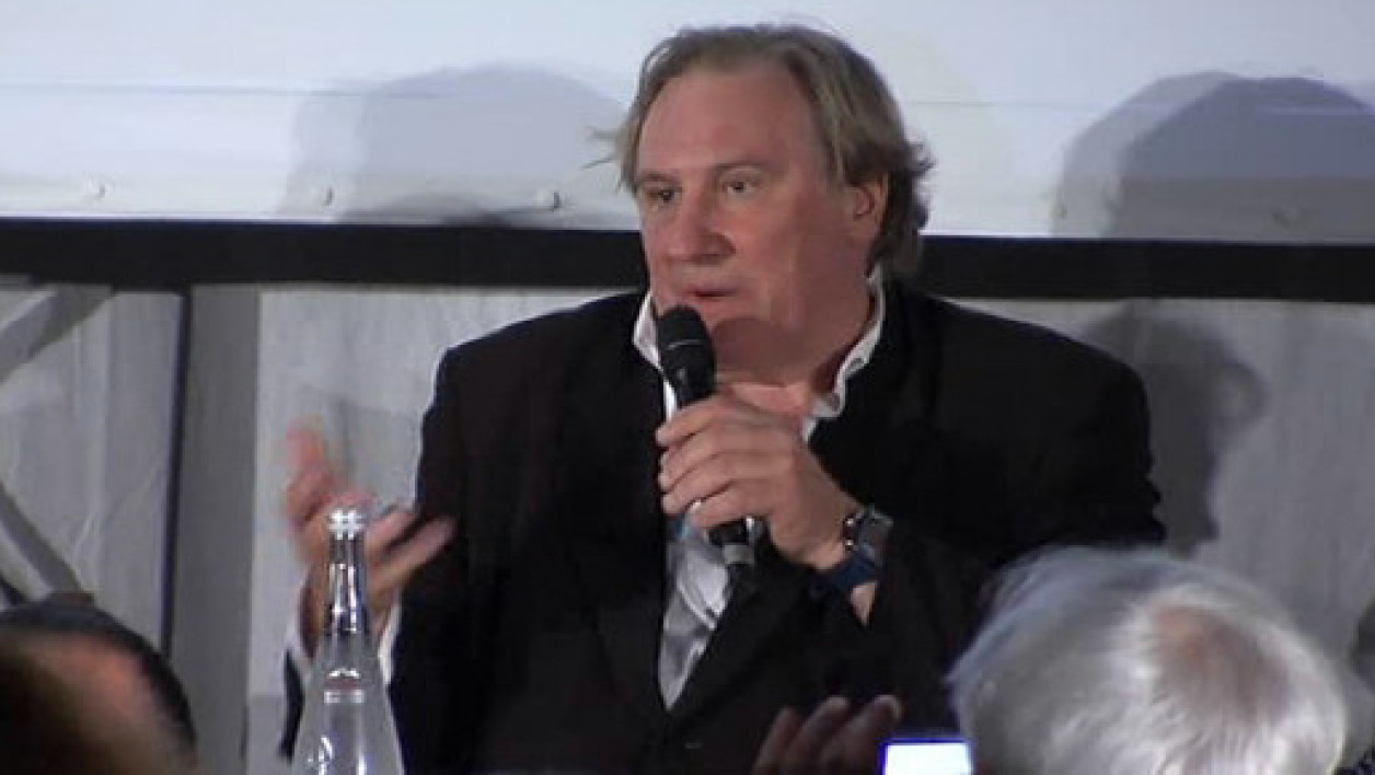 "Gérard Depardieu incarne Dominique Strauss-Kahn, dans le film ""Welcome to New York"" sorti directement en VOD le 18 mai 2014 à minuit."