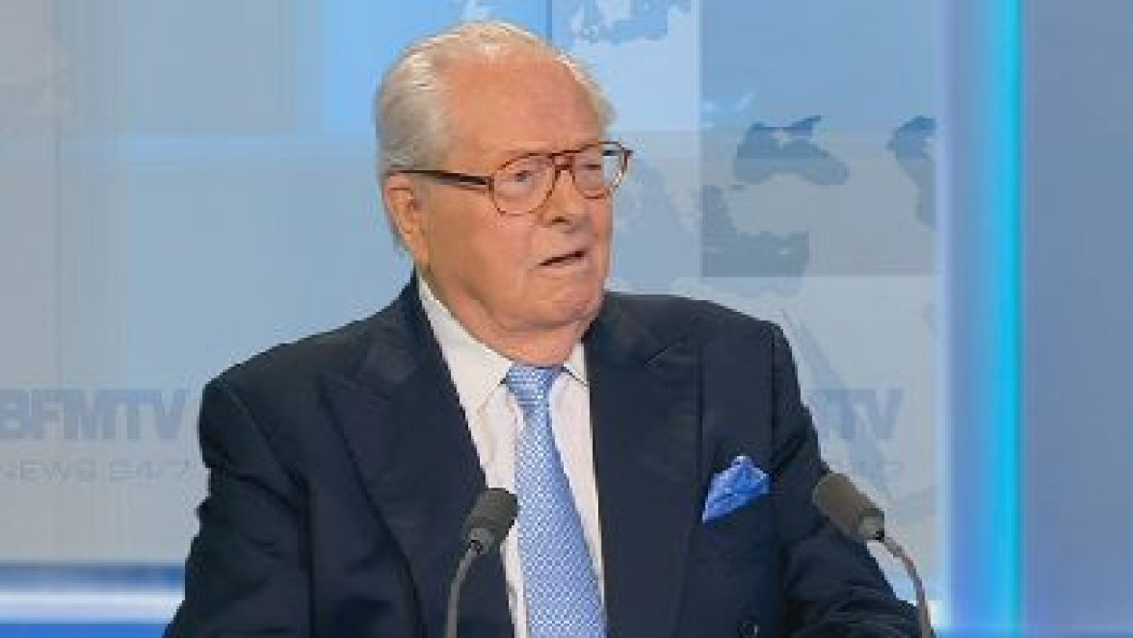 Jean-Marie Le Pen a bien l'intention de rester président d'honneur du Front national.