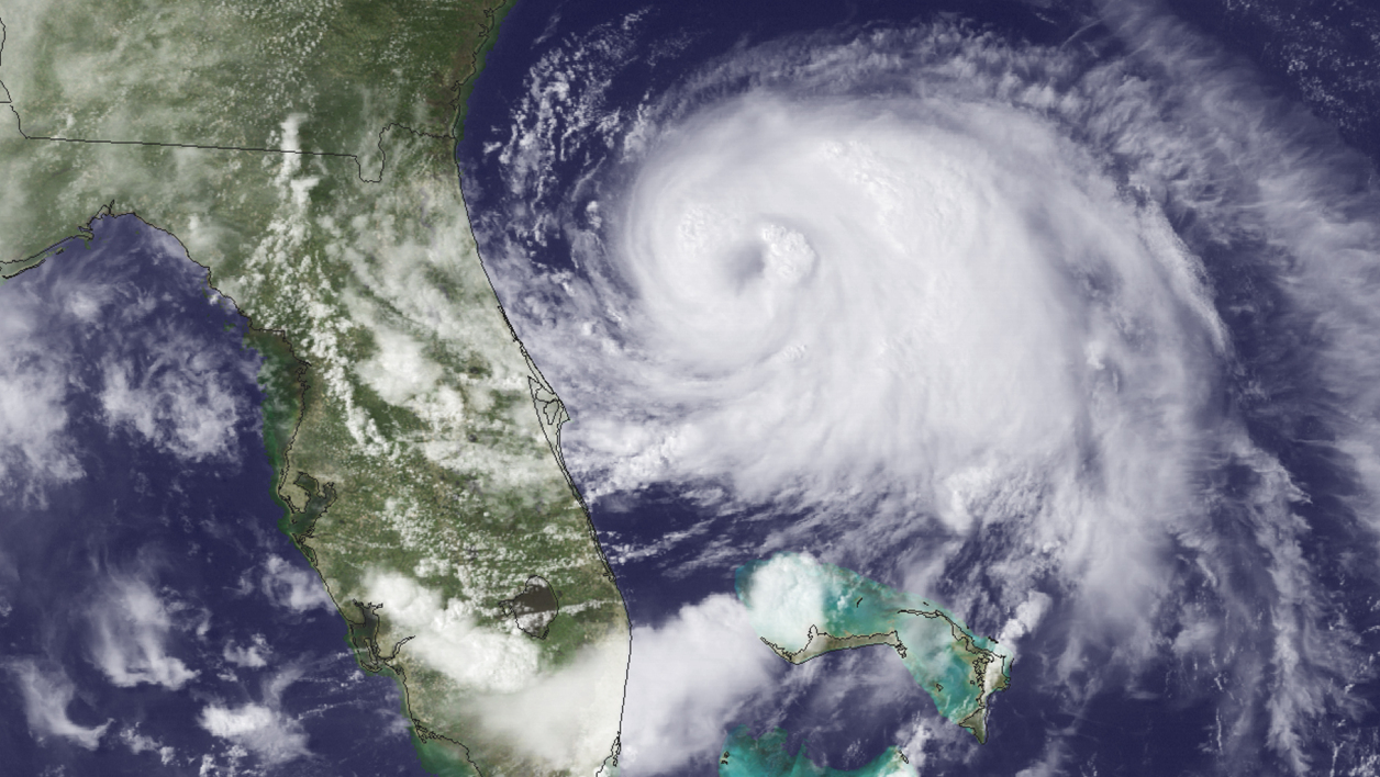 Une image satellitaire de la National Oceanic and Atmospheric Administration montre le centre de l'ouragan Arthur, au large de la Floride, le 2 juillet.
