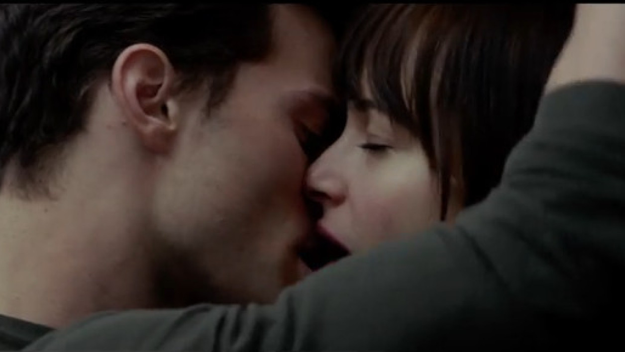 "Jamie Dornan et Dakota Johnson dans ""50 Shades of Grey""."
