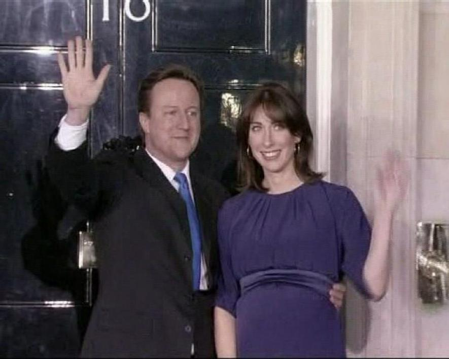 Cameron s'installe au 10, Downing Street