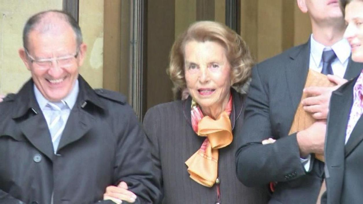 Liliane Bettencourt reste sous tutelle de sa fille