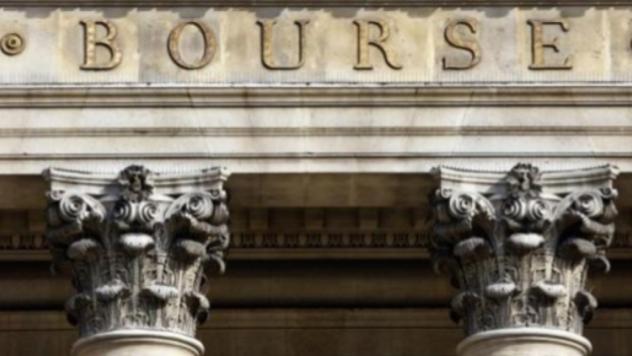 La Bourse de Paris se paie même le luxe de faire mieux que le Dow Jones de New York: +15% contre +7%